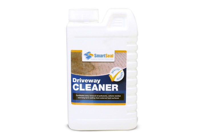 Driveway Cleaner for Concrete, Natural Stone & Block Paving.